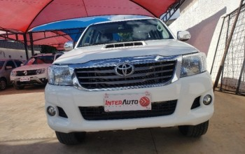 Toyota hilux cd 4x4 srv a/t top