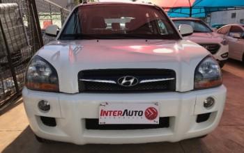 Hyundai tucson 74000