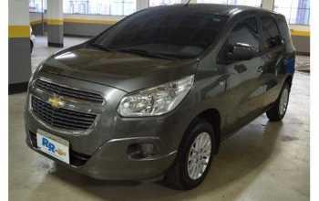 Chevrolet Spin 2013 LT 1.8 4P Automático Cinza