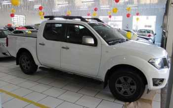 Nissan Frontier 2014 2.5 TD CD 4x2 SV Attack 4P Manual Branco